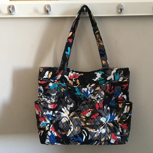 d750914307 🌹Vera Bradley Splash Floral Pleated Tote. M 5a909e3750687cd3dc433440